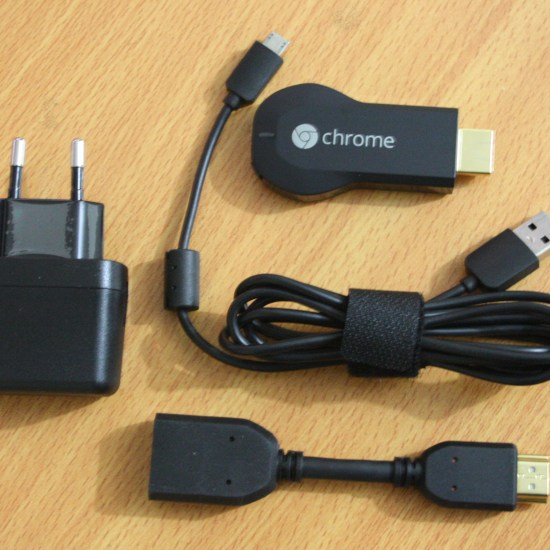 Google Chromecast box content
