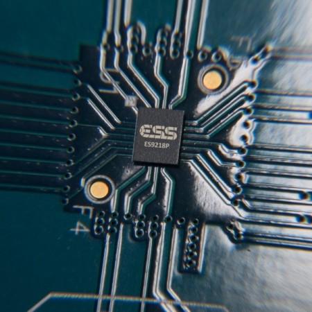 LG V30 ES9218P chip